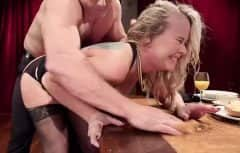The pretty woman lets herself be fucked in her deep pussy