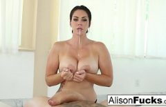 The Woman Makes Your Cock Faint With Her Blowjob Skills